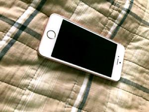 /////// ~~~~~ iPhone SE 16GB Bell/Virgin ~~~~~~ /////////