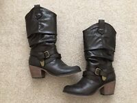 Rocket Dog - Brown Boots - UK Size 6 (new without box)