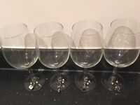 4 Solid Glass Wine Glasses with Wine Charms