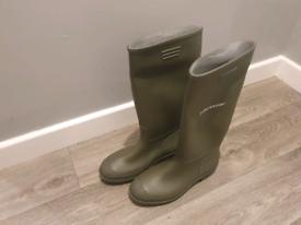 DUNLOP Tall Wellington Boots Khaki size 8