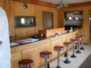Vintage Ice Cream/ Lunch Counter Pedestal Stools