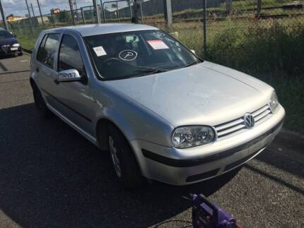 Volkswagen Golf******2012 wrecking for parts