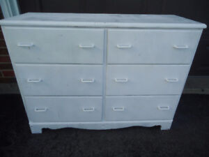 6 DRAWER SOLID WOOD DRESSER - PAINTED WHITE