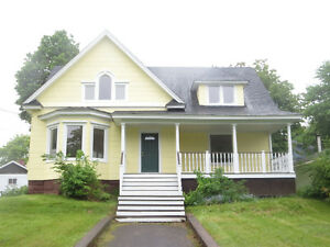 Rooms for rent Sackville NB Sept to April.