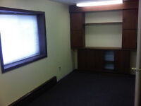 GREAT PRIVATE OFFICE FOR RENT!!!