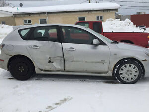 2004 Mazda Mazda3 accidenté