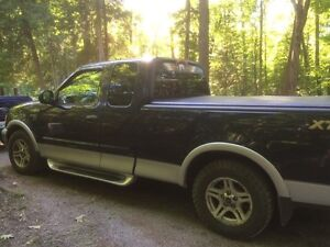 2003 Ford F-150 XLT V8, ShortBox Peterborough Peterborough Area image 2