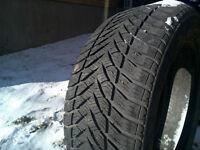 Goodyear ultra grip 215 55 16 pneu hiver