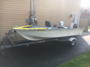 BOAT - 14 foot fibreglass 15 hp   with Trailer.