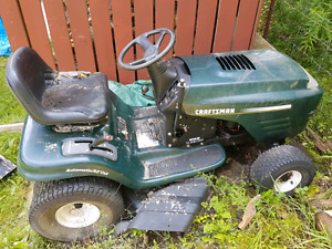 "Craftsman 42"" cutlawn tractor for parts or fixer up"