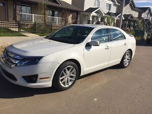2012 Ford Fusion SEL. Leather, Remote Start, Sunroof!!!