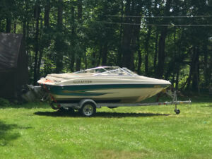 For sale or trade: 2000 Glastron boat and trailer