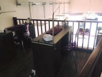 NAIL DESK TO RENT