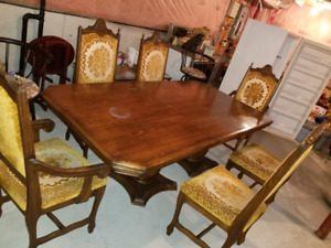 Antique traditional dining room set