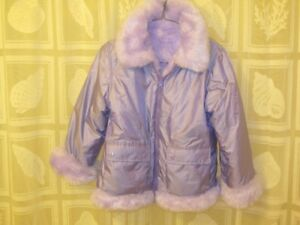 GIRLS SIZE SMALL 10-12 WINTER JACKET IN NEW CONDITION
