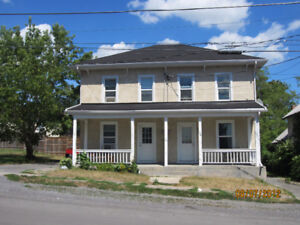 Deseronto - Available December 1- 3 bedroom Apartment