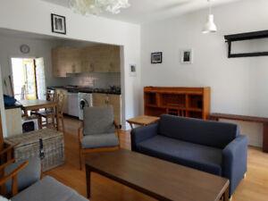 Grand 4 1/2 meublé, Plateau Mont-Royal, haut de duplex lumineux