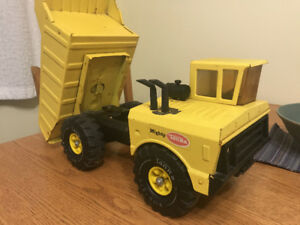 Tonka Mighty Dump 1970's or early 1980's era metal dumptruck