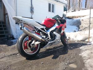 Yamaha r1  2000neg ou echange