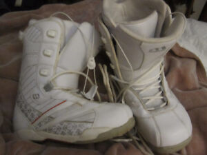 MORROW SNOWBOARD BOOTS *WOMANS SIZE 7