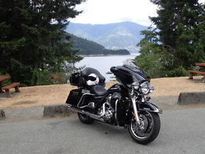 HARLEY FLHTK ULTRA LIMITED Campbell River Comox Valley Area image 1