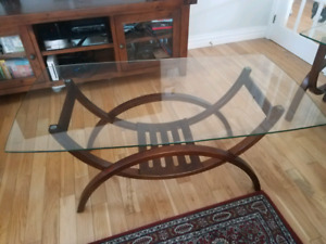 Coffee table set with 2 end tables