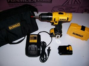 **NEW CONDITION** DEWALT 12 VOLT LIT -ION DRILL AND ACC KIT