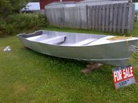 Metal boat located in Verner