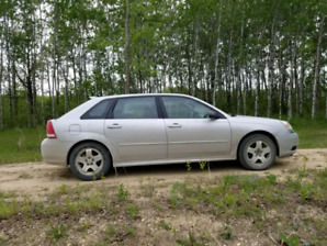 Chevy Malibu maxx Lt v6 serious inquiries only.Safetied till nov