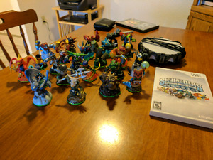 Skylnders figures gsmes and portals, looking to sell asap