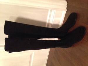Stuart Weitzman Reserve boots in suede size 9
