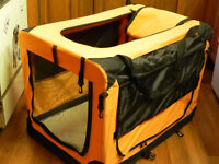 Soft, collapsible dog crate