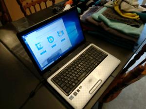"17"" Toshiba Laptop Windows 10"