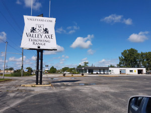 GREAT COMMERCIAL LOCATION AVAILABLE IN SARNIA .