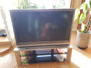 "50"" SONY WEGA 720P Rear Projection TV"