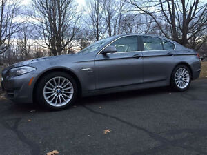 LOW KM 2011 BMW 535 Xdrive!!