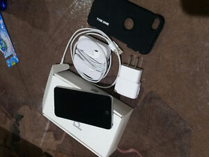 ipod touch 5th black / silver 16gb !Mint!