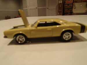 Loose Light Gold 1968 '68 DODGE CHARGER R/T by JOHNNY LIGHTNING Sarnia Sarnia Area image 3