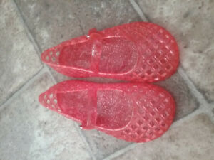Toddler size 8 jelly sandals