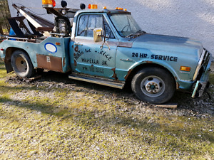 1972 Tow Truck Chevy big block 396 1 ton dually
