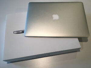 "BRAND NEW CONDITION APPLE MACBOOK AIR 13""/4GB/128GB/WARRANTY"