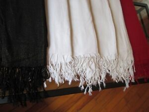 6 scarves, red/black/white with gold shimmer