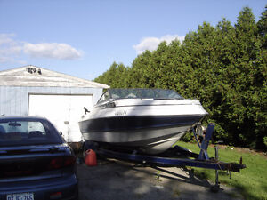 21' SEA SPRITE POWER BOAT AND TRAILER