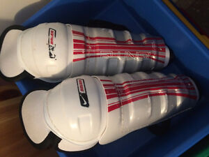 Hockey Shin Pads - Boys Size 10""