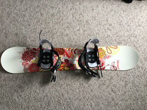 Selling women's boots, bindings and board $250