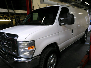 2010 Ford E-150 in Great condition