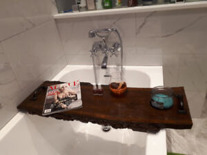 Live edge wood luxury bathtub caddy