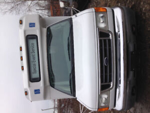 SALE!!!! 06  ford  Gaval bus, 20 pass