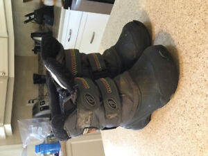 Size 10 T winter boots