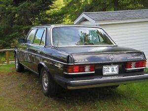 1984 Mercedes-Benz 300-Series Sedan